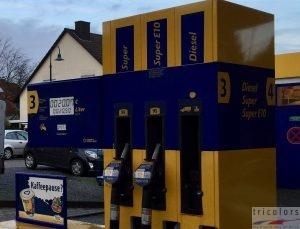 Zapfsäule Tankstelle Super und Diesel